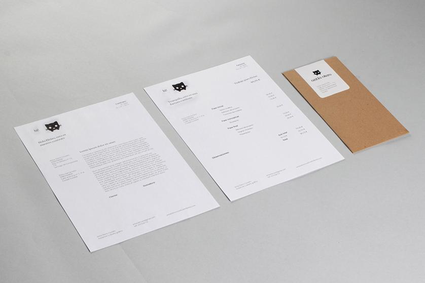 Documentos legales, papelería y sobre con la mascota Margaret, del branding de Antía Otero